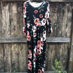 •Floral Maxi Dress•